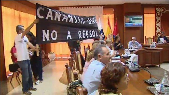 El Cabildo de Lanzarote condena la actuación de la Armada contra Greenpeace