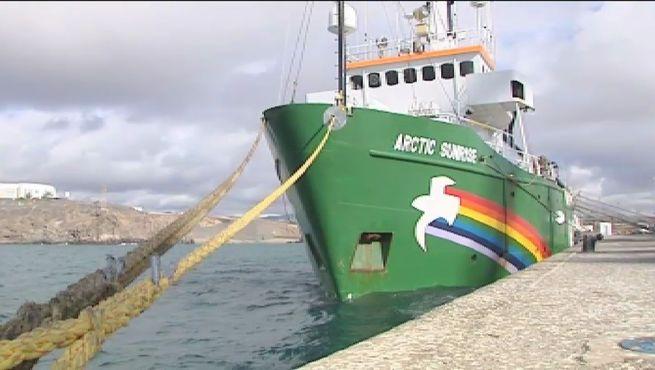 Greenpeace recurrirá la decisión del Gobierno de retener su barco