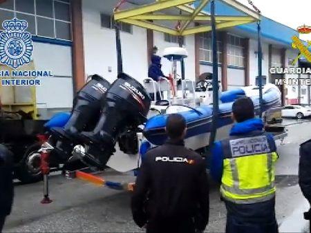 La polic a nacional desmantela una red de narcos que - Policia nacional cadiz ...